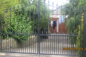 irong-gates-bradford
